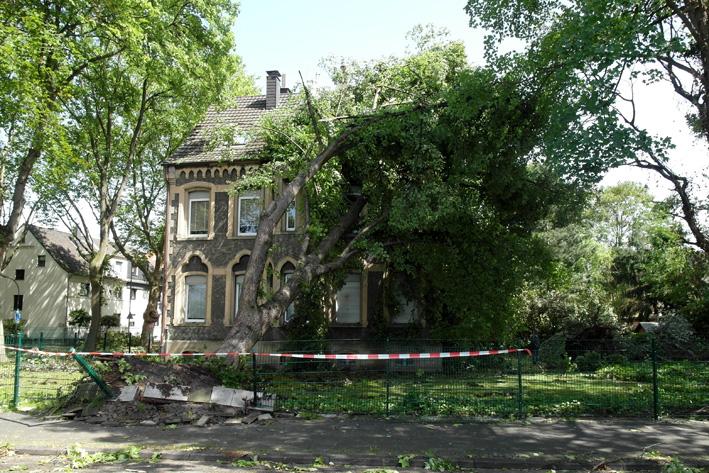 2010_GemlHol_2014_06_UnwetterE04 Röhlinghausen Alte Pfarrhaus SAM_8550