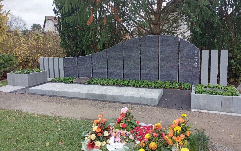 Krönender Abschluss eines Grabfeldes auf dem Neuen Friedhof Eickel