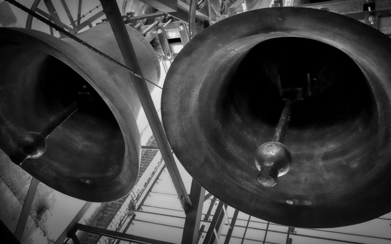 Glockengeläut zum Gedenken der Toten der Corona-Pandemie